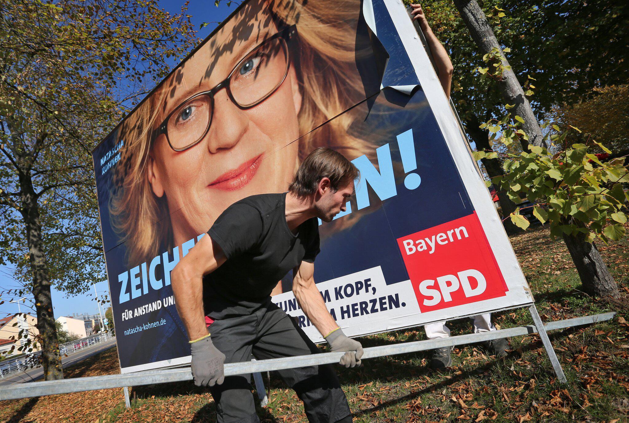 Bild zu Landtagswahl Bayern - Wahlplakate werden abmontiert