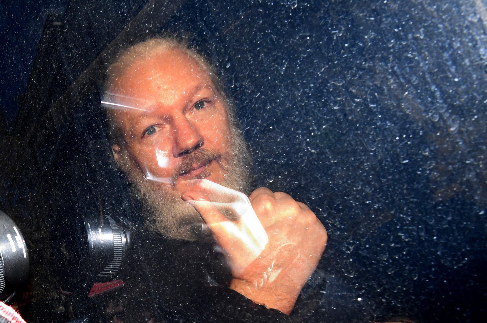 Bild zu Julian Assange festgenommen