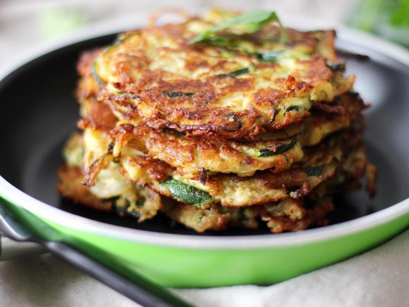 Bild zu Zucchini-Puffer mit Dip