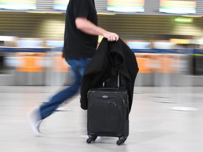 Bild zu Passagier im Flughafen