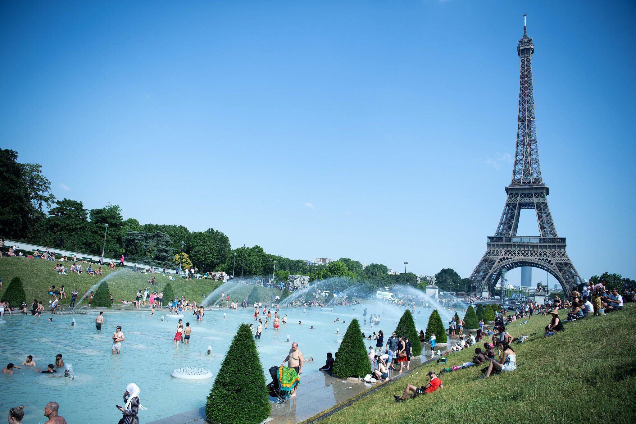 Bild zu Hitze in Frankreich - Paris