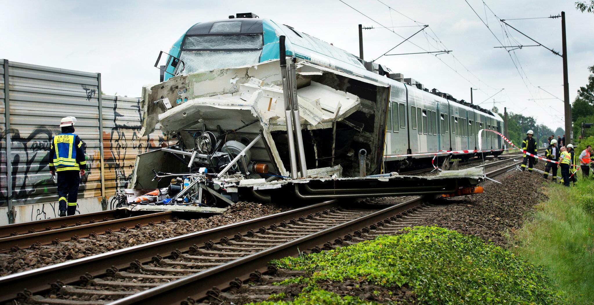 Bild zu Zusammenstoss zwischen Zug und Lastwagen