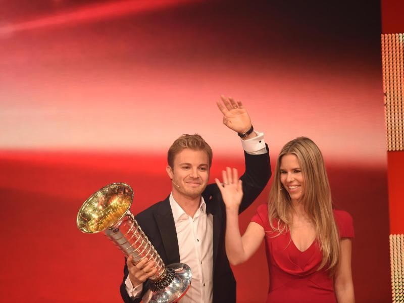 Bild zu Nico Rosberg beu «Ein Herz für Kinder»