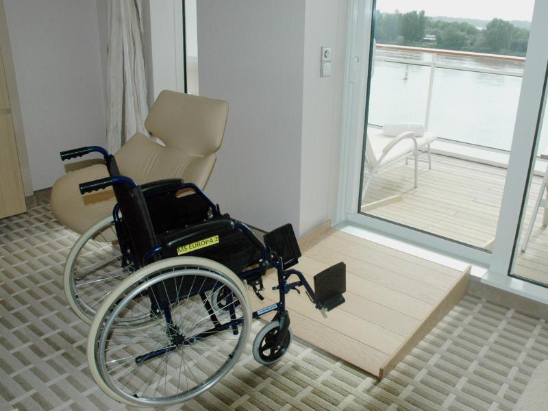 Bild zu Behindertengerechte Kabine