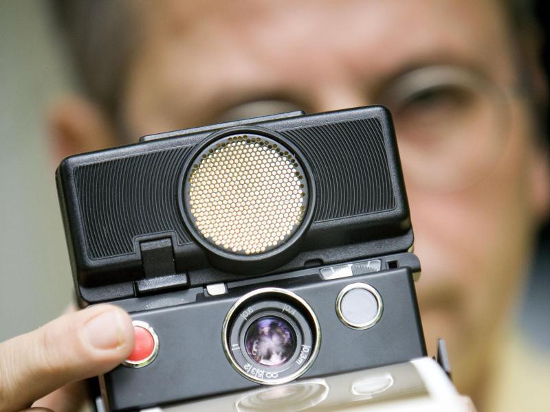 Bild zu Polaroid-Sofortbildkamera