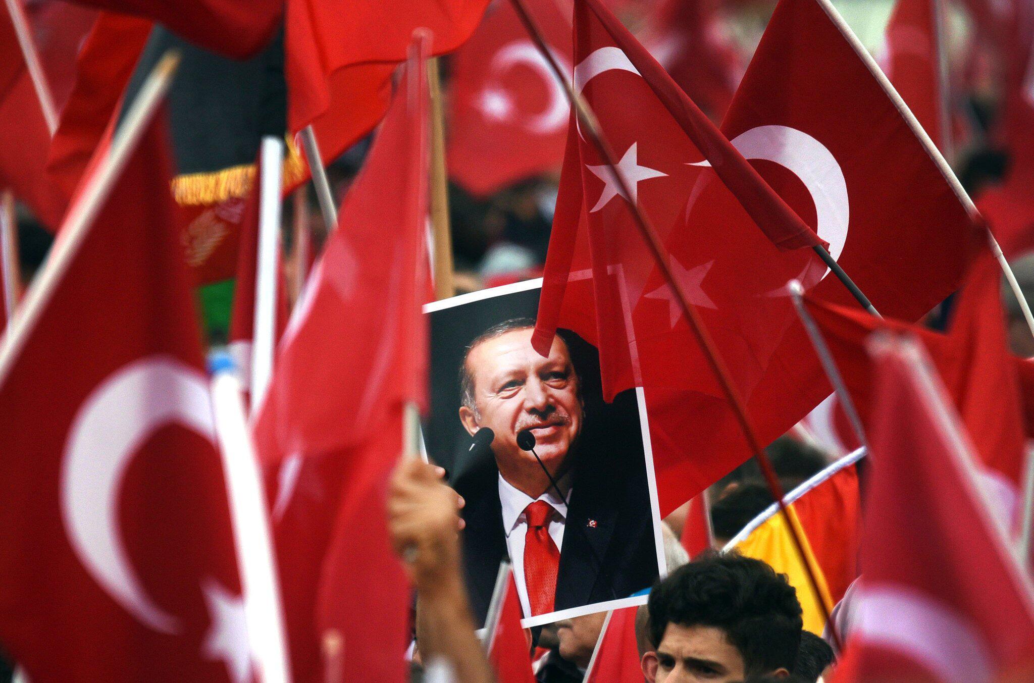 Bild zu Erdogan-Anhänger in Köln