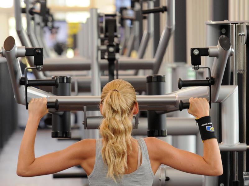 Bild zu Training im Fitness-Studio