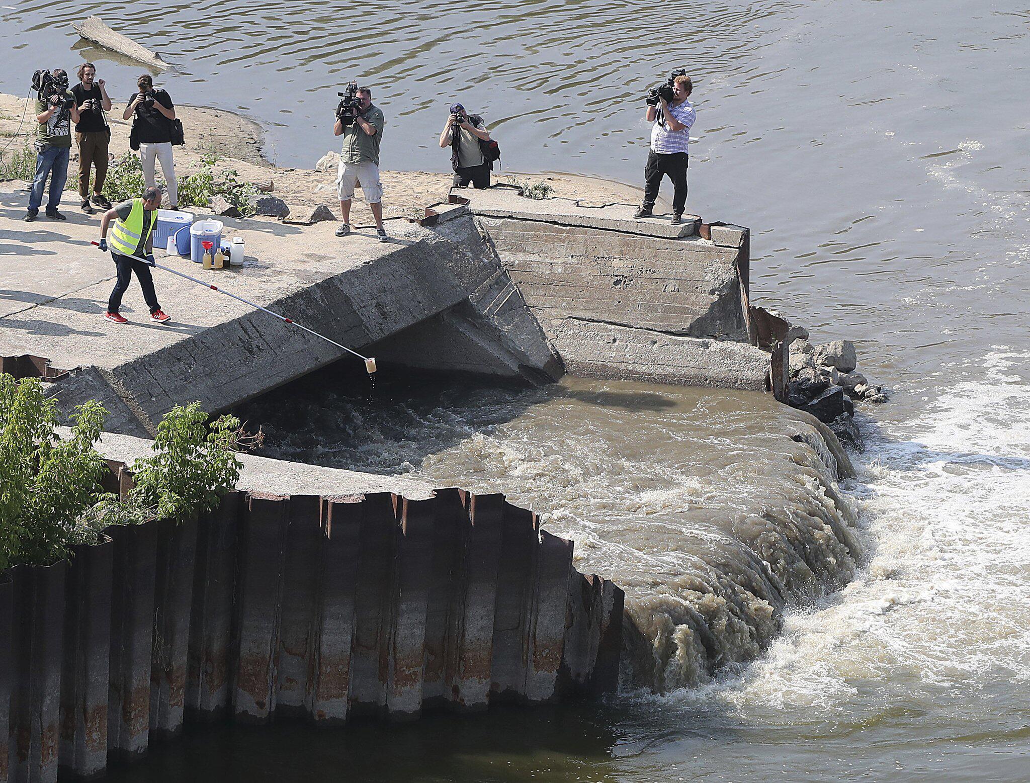 Bild zu Warschauer Kanalisation - Abwasser fliesst in die Weichsel