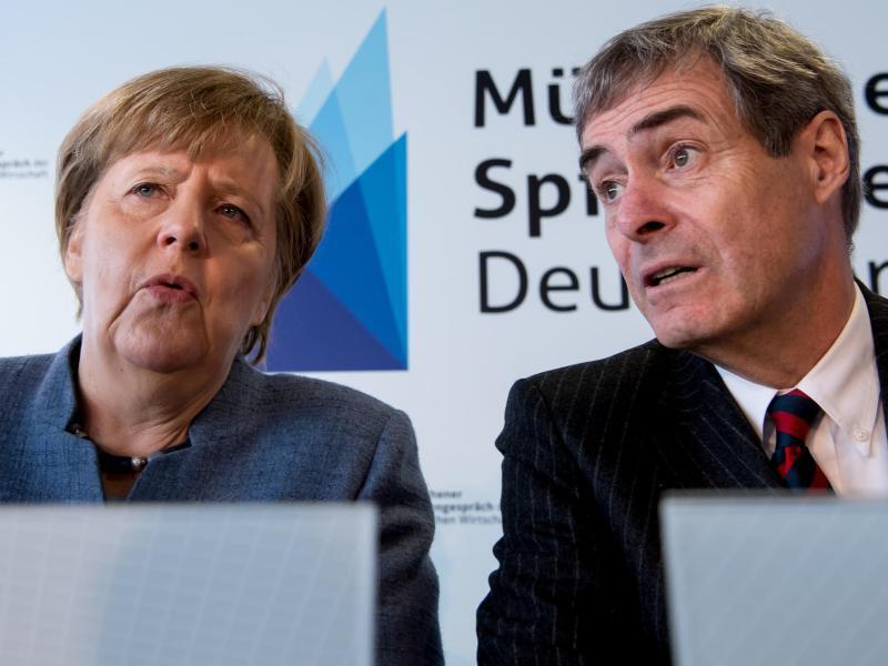 Bild zu Merkel und Kramer