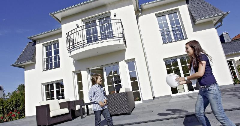 sicherheitsglas f r haushalte mit kindern gmx ch. Black Bedroom Furniture Sets. Home Design Ideas