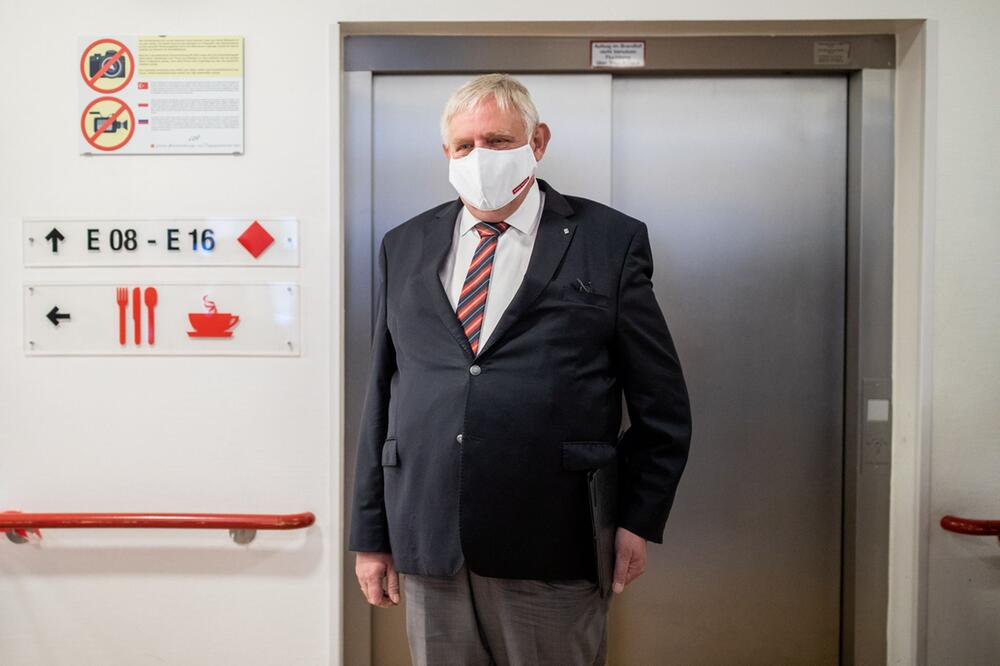 Laumann besucht Pflegeheim