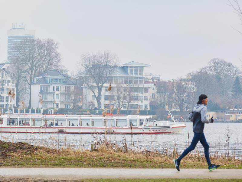 Bild zu Jogger an einem Wintertag