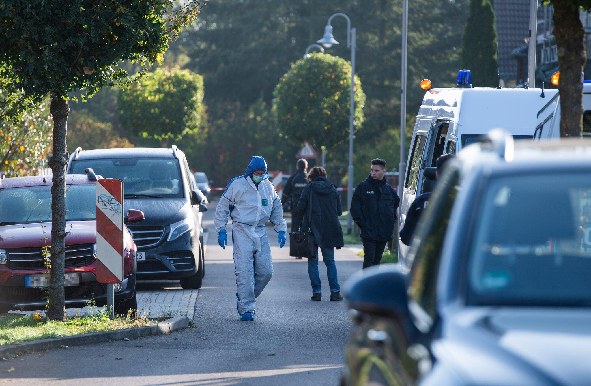 Bild zu Frau stirbt nach Gewaltverbrechen in Teltow