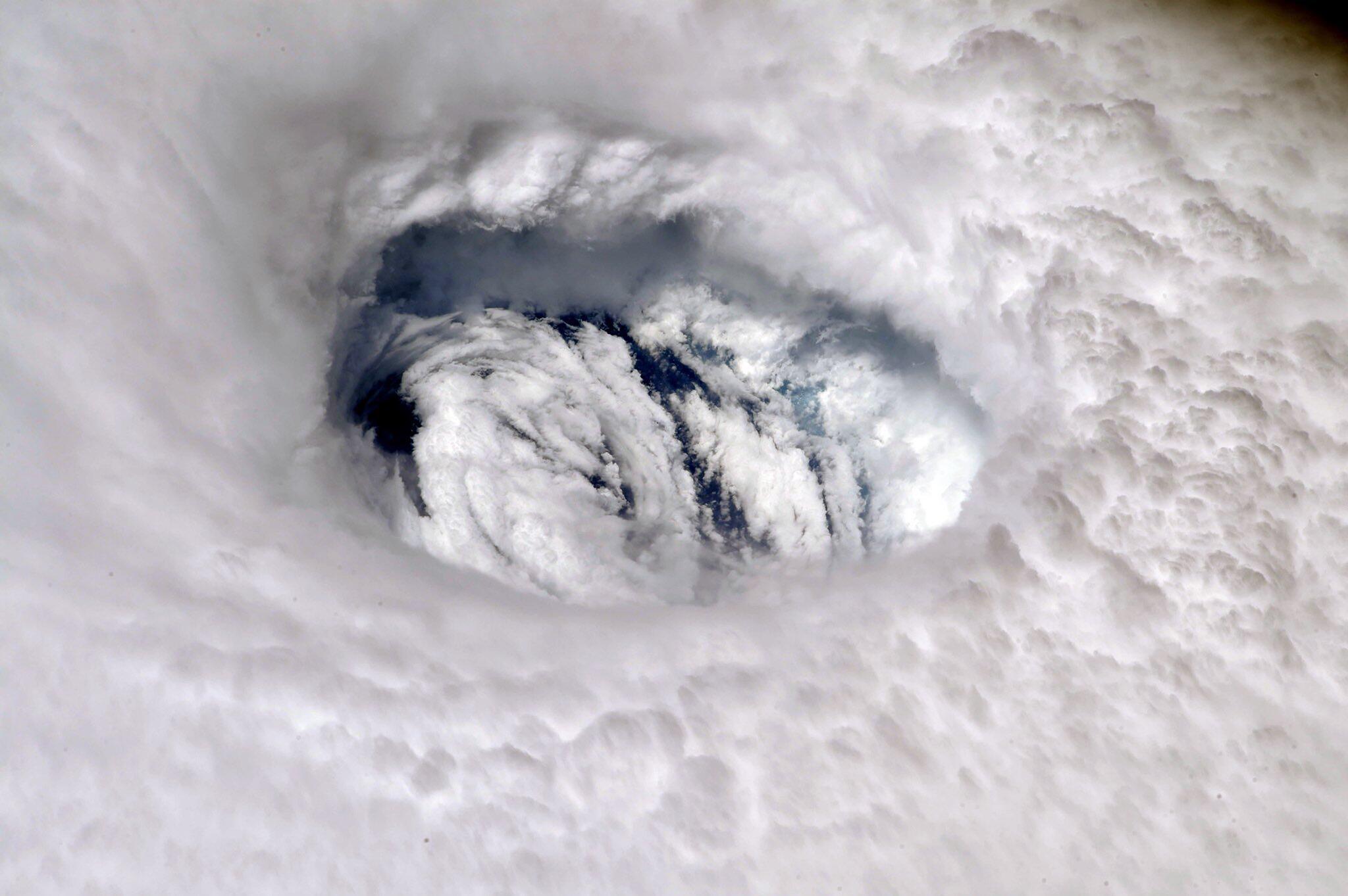 "Bild zu Hurrikan ""Dorian"" - Das Auge des Sturms"