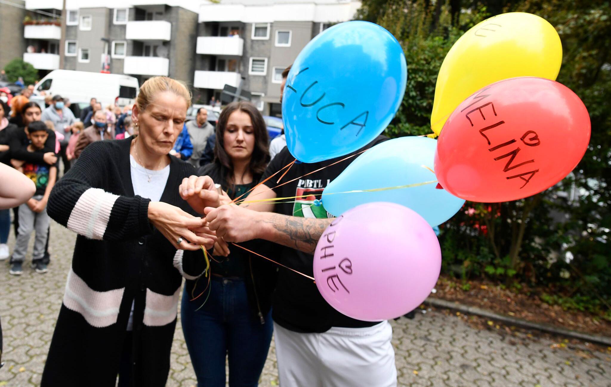 Bild zu Trauer in Solingen um fünf tote Kinder