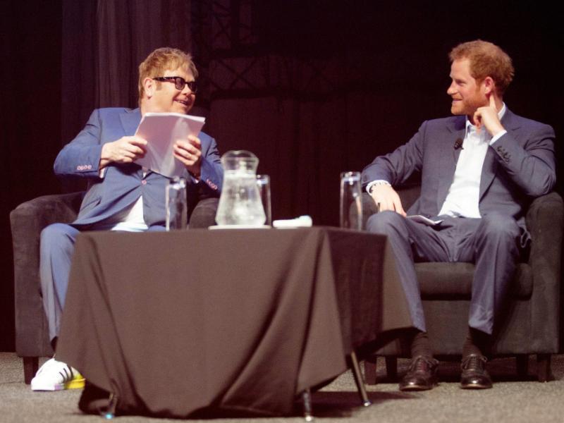 Bild zu Elton John und Prinz Harry