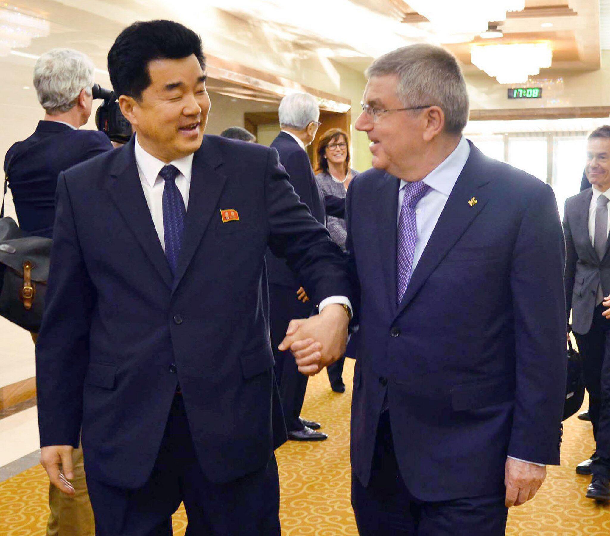 Bild zu IOC-Präsident Bach zu Besuch in Nordkorea