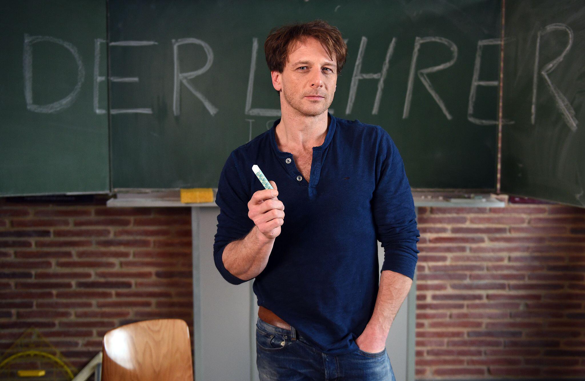 Bild zu RTL beendet seine Serie «Der Lehrer»