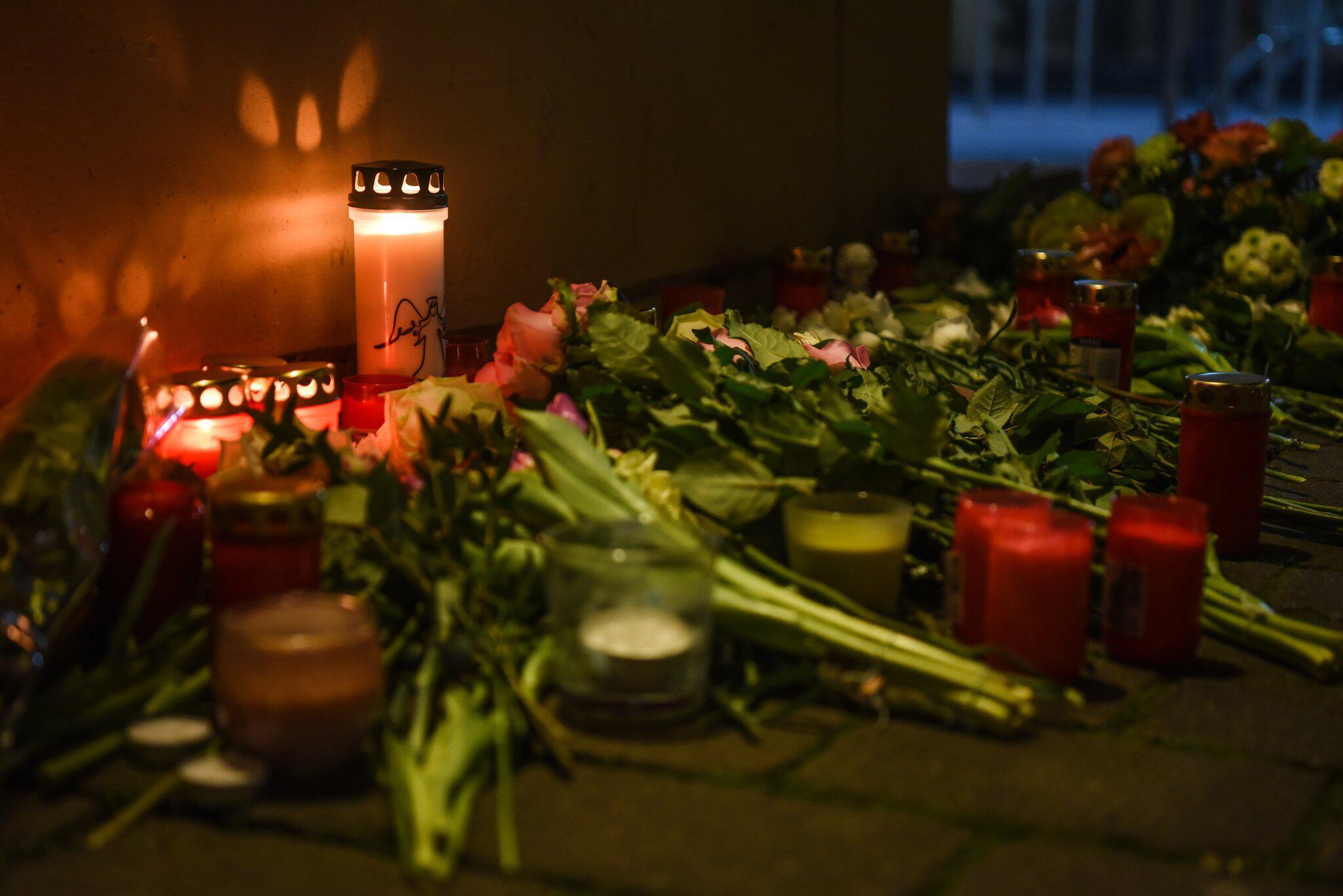 Bild zu After shots in Hanau - commemoration