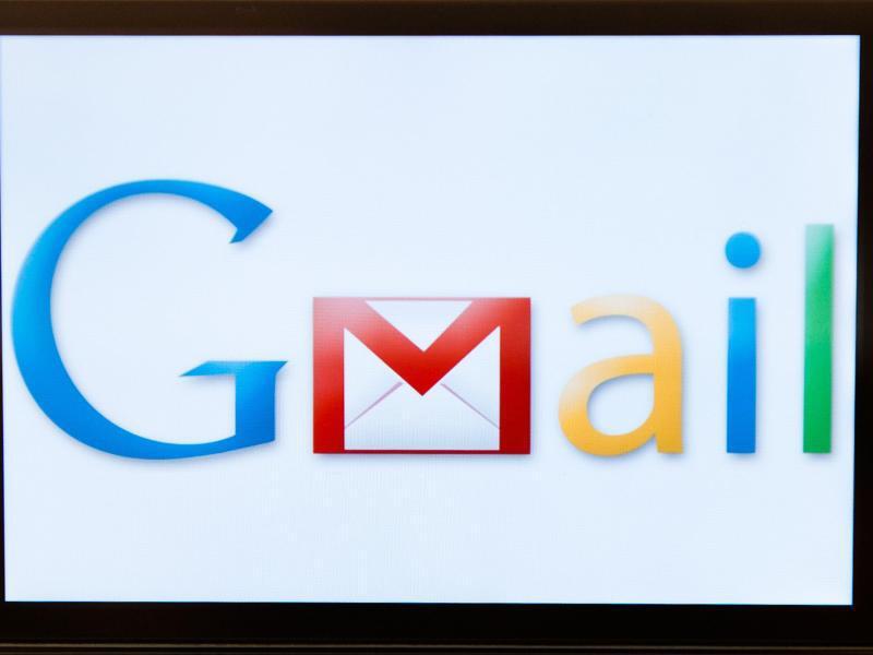 Bild zu Handy mit App Google Mail