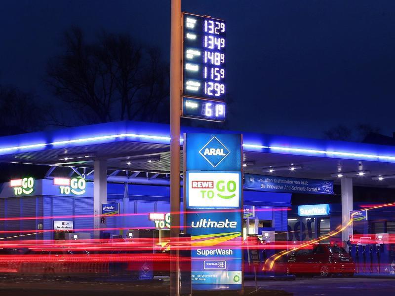 Bild zu Benzinpreis