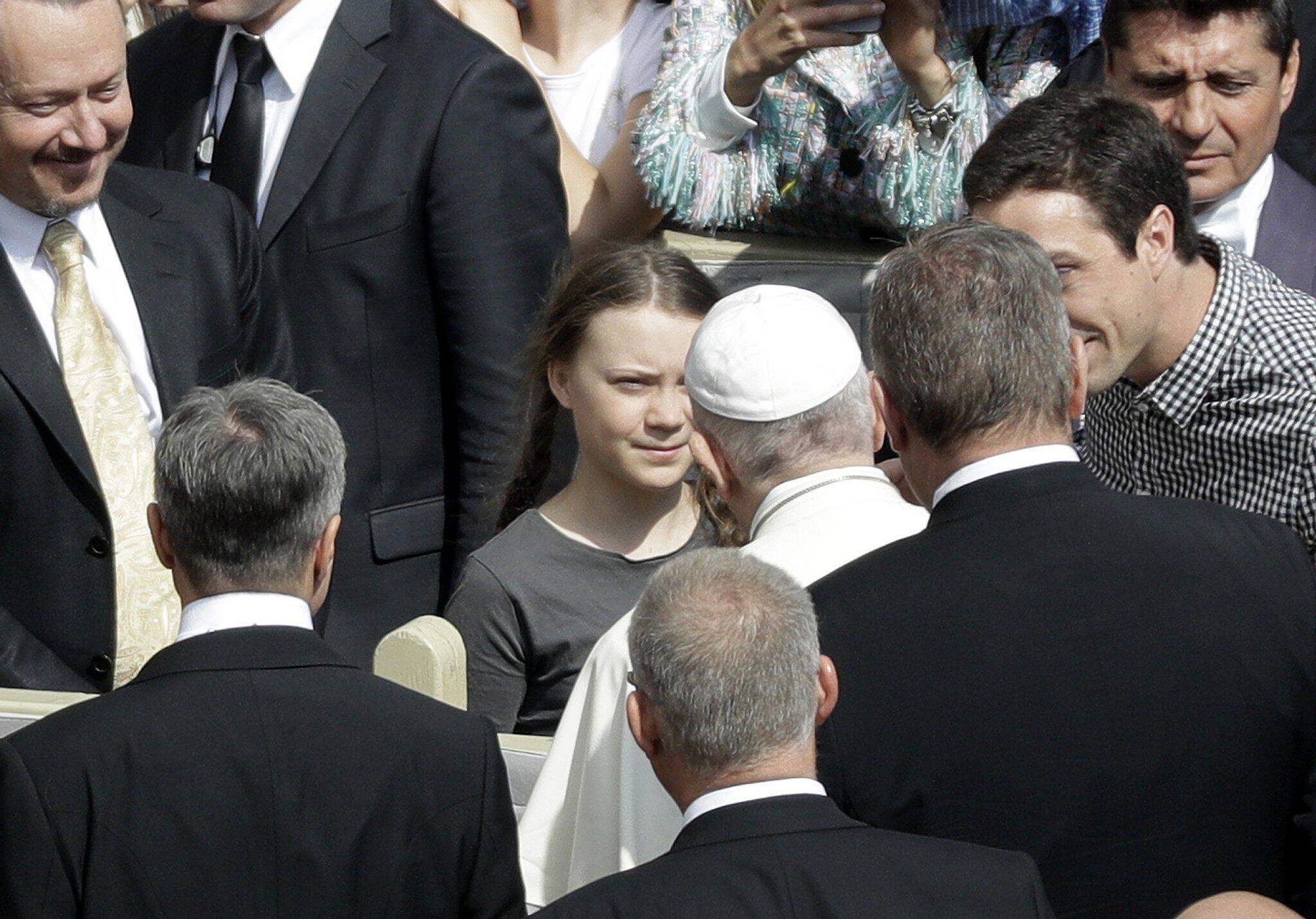 Bild zu Klimaaktivistin Thunberg besucht Papst
