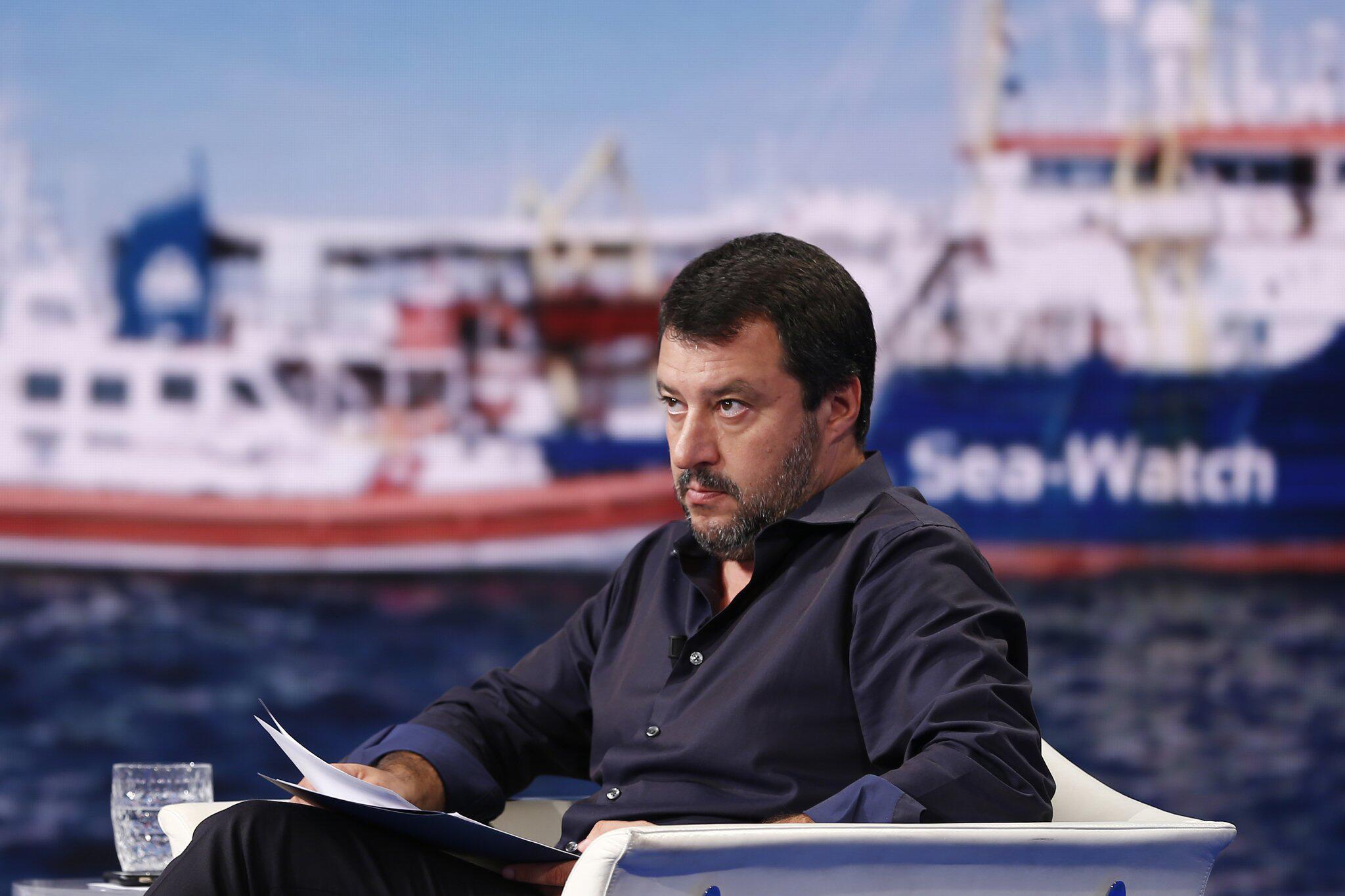 Bild zu Italiens Innenminsiter Salvini spricht in TV-Sendung