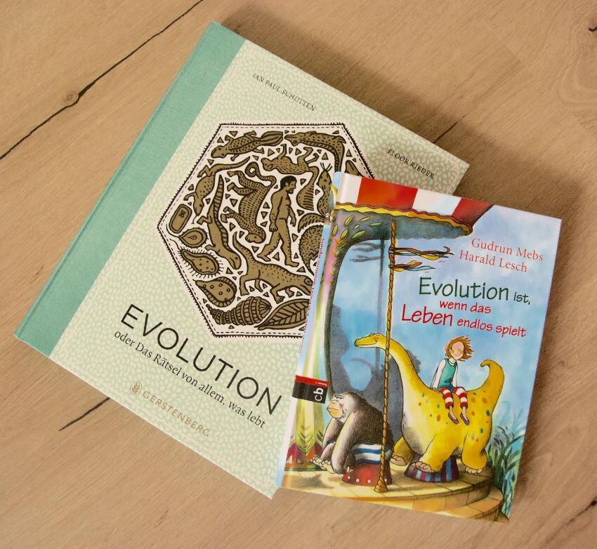 Bild zu Zwei Evolutions-Bücher