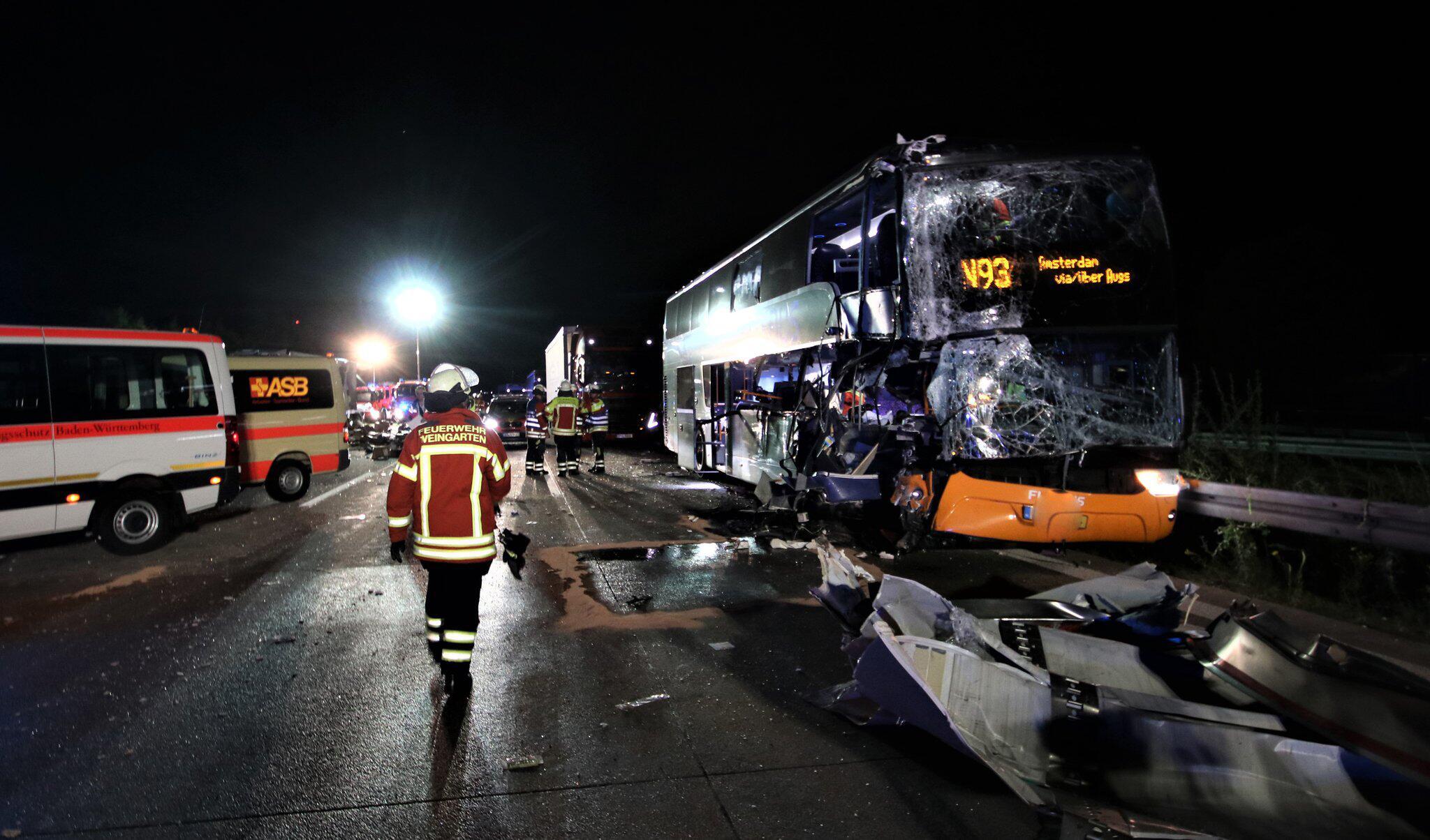 Bild zu A5, Reisebus