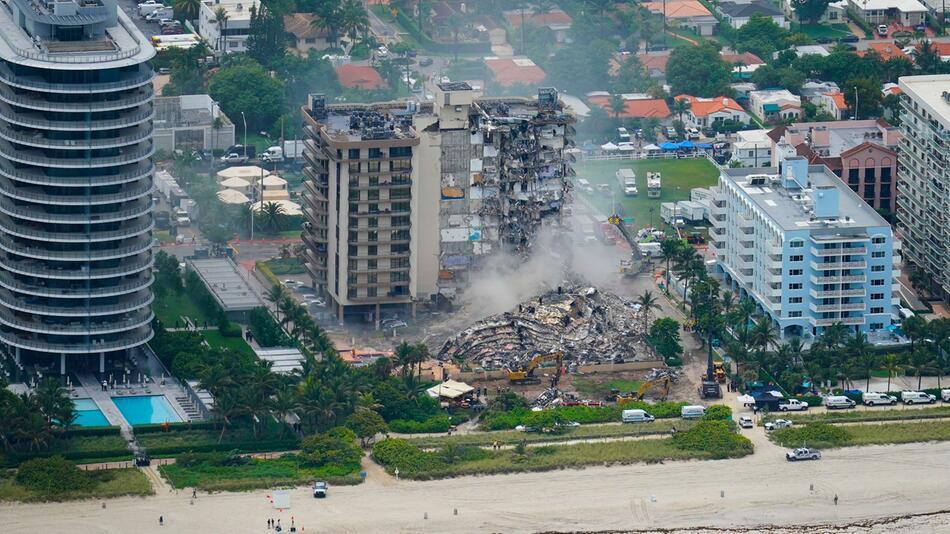 Nach Gebäude-Einsturz in Florida