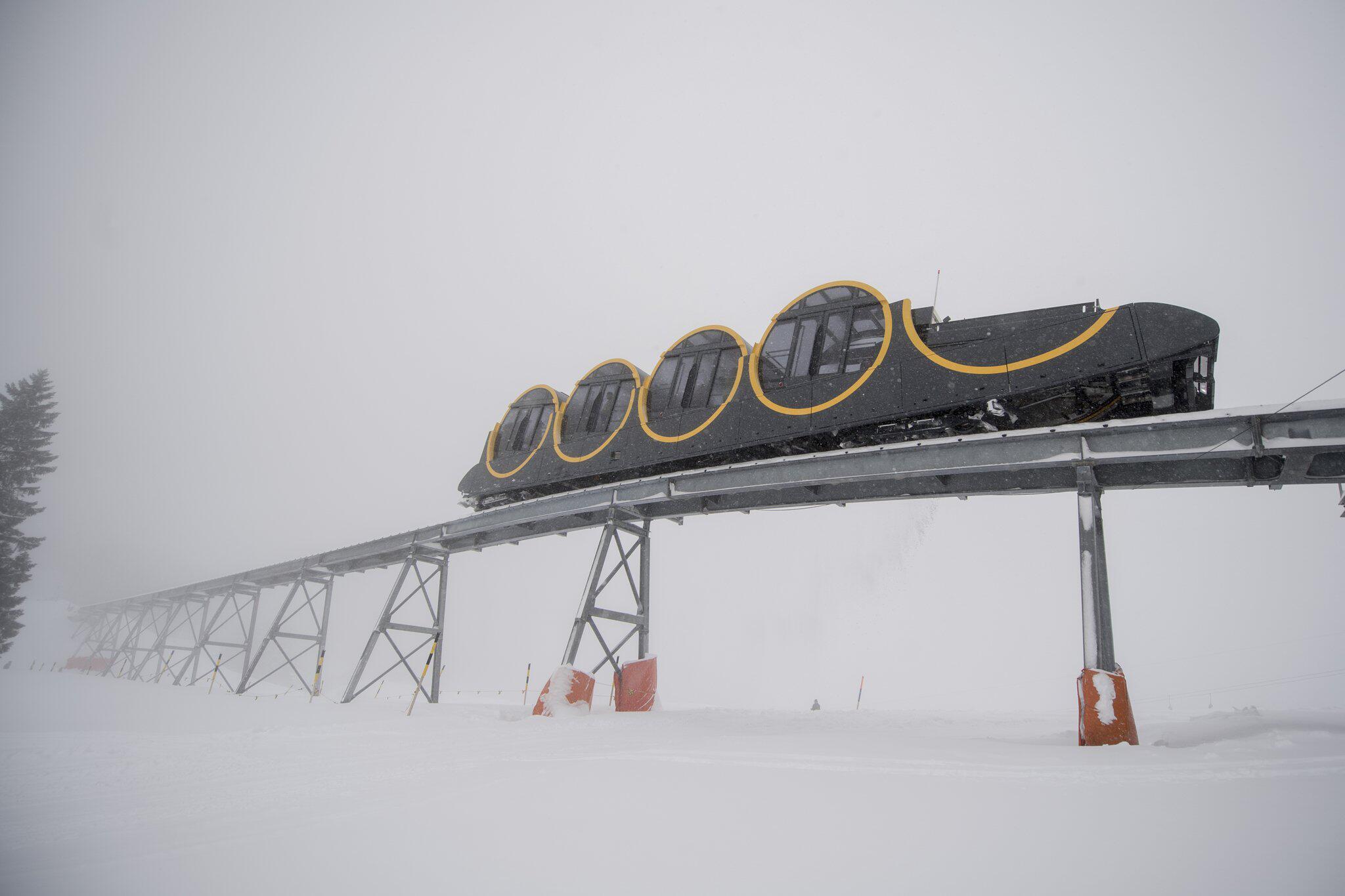 Bild zu Steilste Seilbahn der Welt in der Schweiz