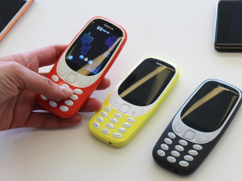 Bild zu Nokia 3310 in verschiedenen Farben
