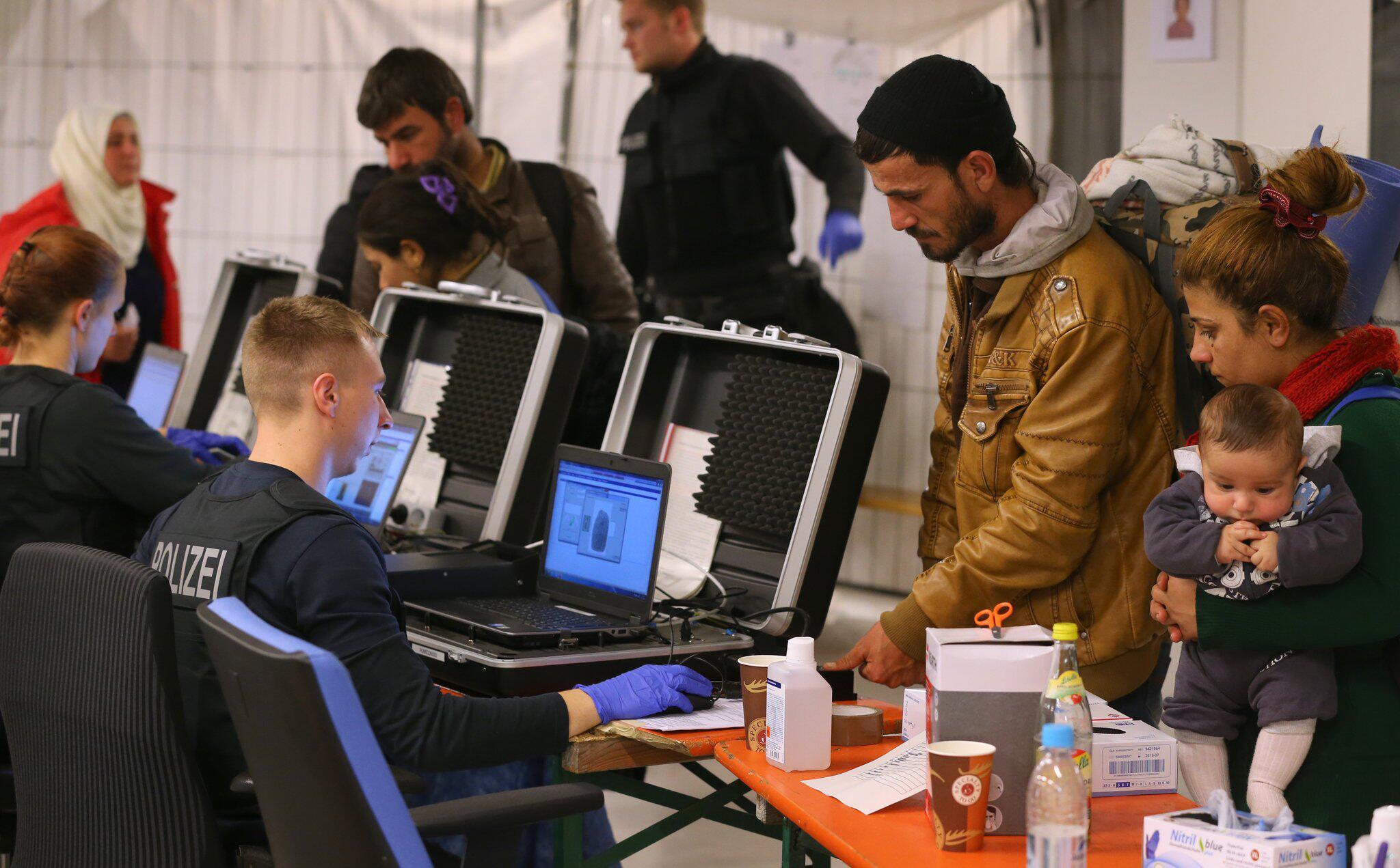 Bild zu Bundespolizei Bayern weist Hälfte der Migranten zurück