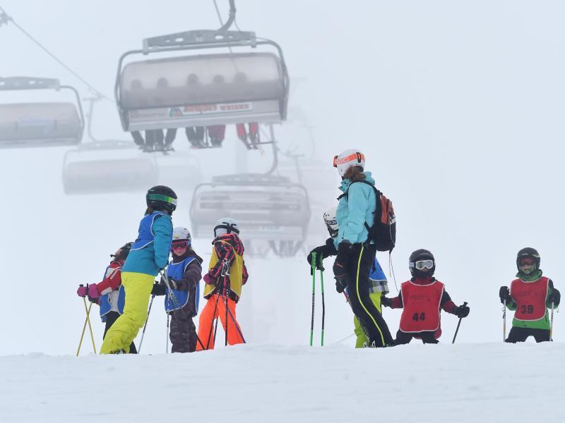 skifahren auf feldberg soll bis nach ostern m glich sein gmx ch. Black Bedroom Furniture Sets. Home Design Ideas