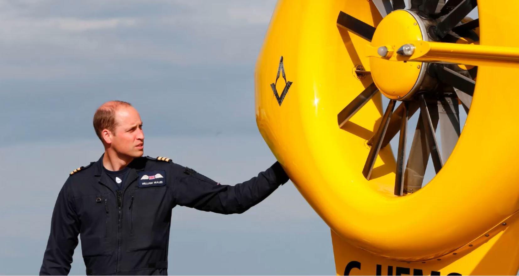 Bild zu Prinz William, Helikopter