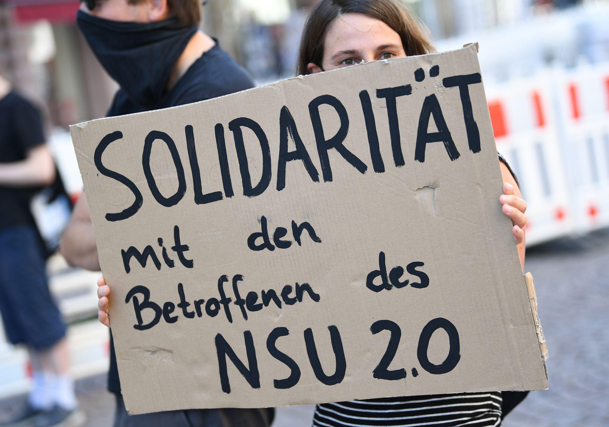 Bild zu Mutmasslicher Verfasser von «NSU 2.0»-Drohschreiben festgenommen