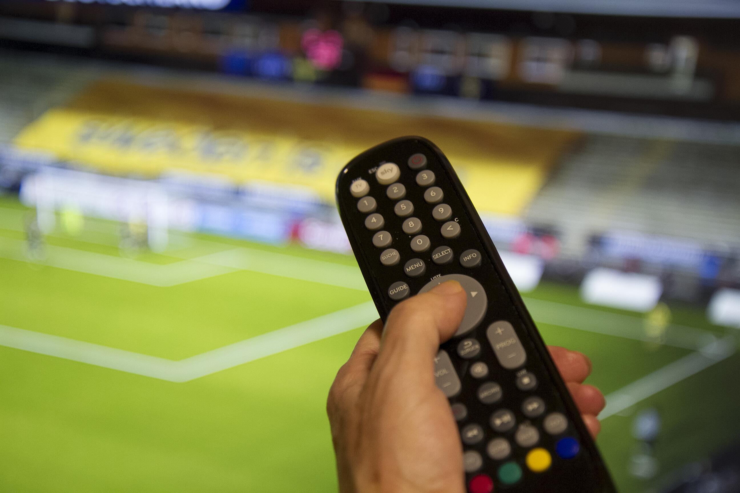 Bild zu TV Fernbedienung