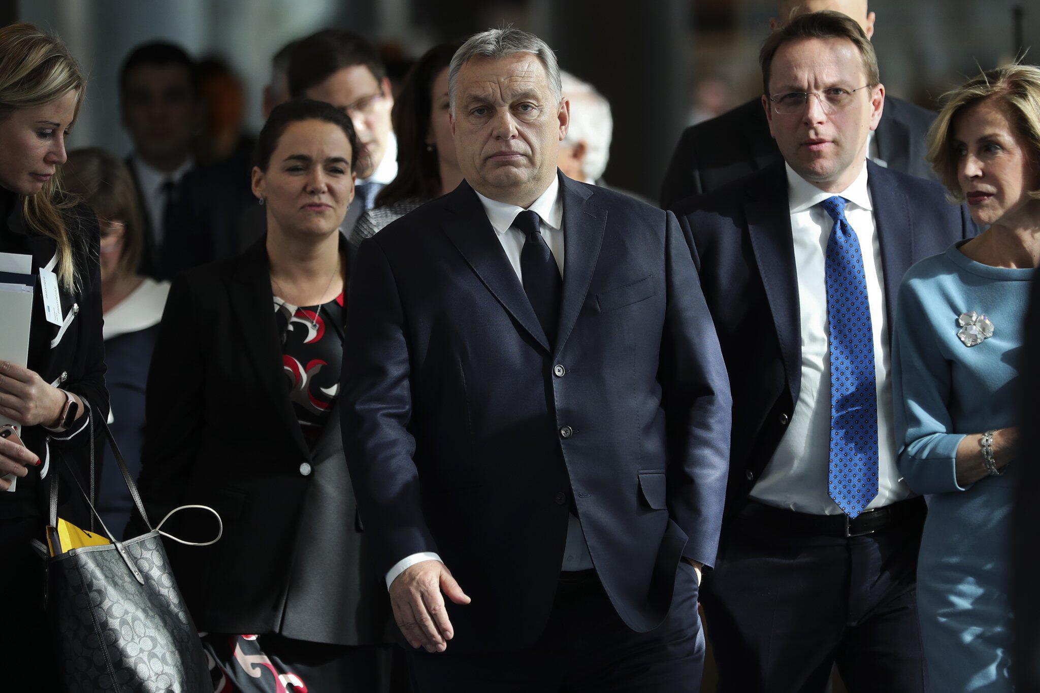 Bild zu EVP-Spitze schlägt Suspendierung Orbans vor