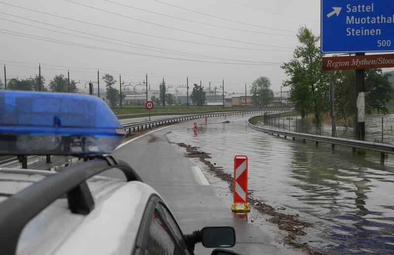 Bild zu Gesperrte Autobahn A4 in Seewen/SZ