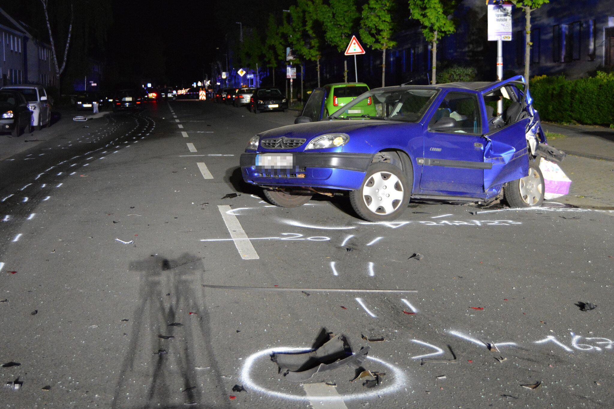 Bild zu Unfall bei mutmasslichem Autorennen