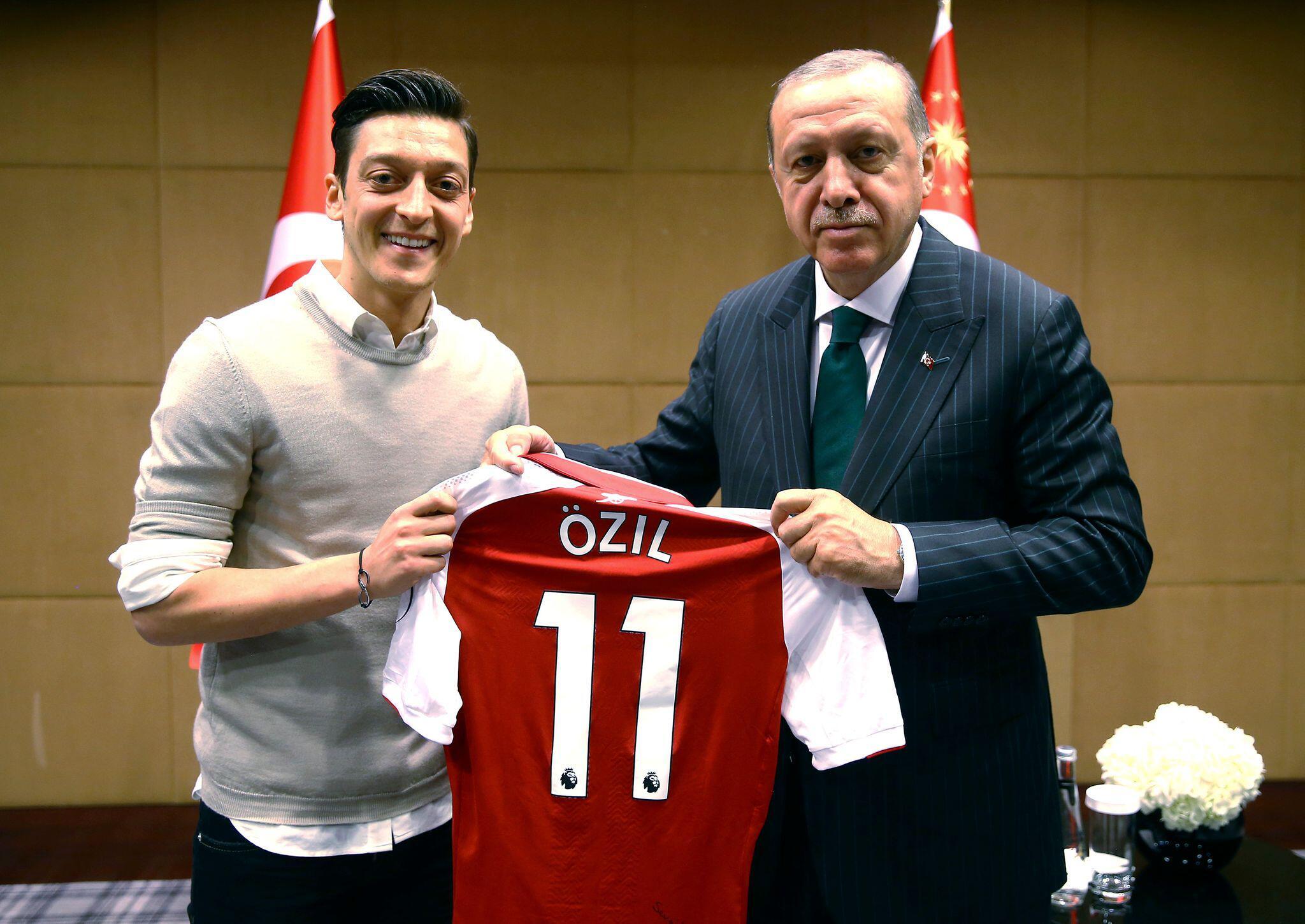 Bild zu Mesut Özil und Recep Tayyip Erdogan