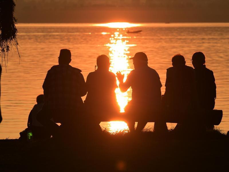 Bild zu Sonnenuntergang am Bodensee