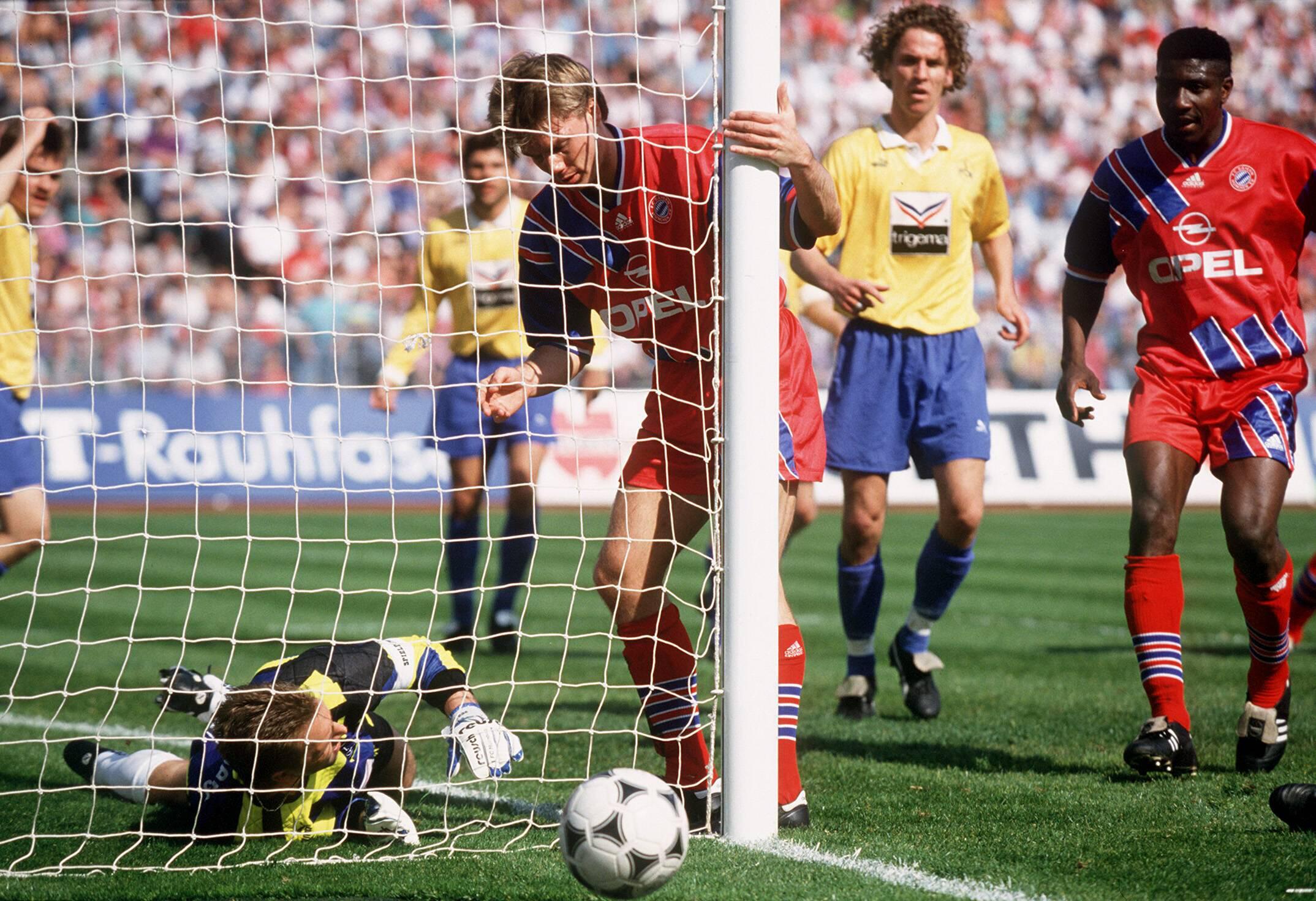 Bild zu Thomas Helmer, Tor, Bundesliga, Rekord, Fussball