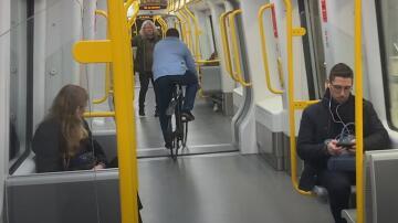 Bild zu Warum man in der U-Bahn kein Fahrrad fahren sollte