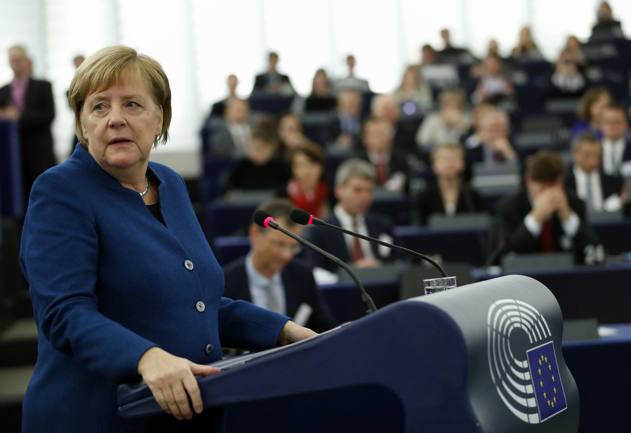Bild zu Bundeskanzlerin Merkel im Europaparlament