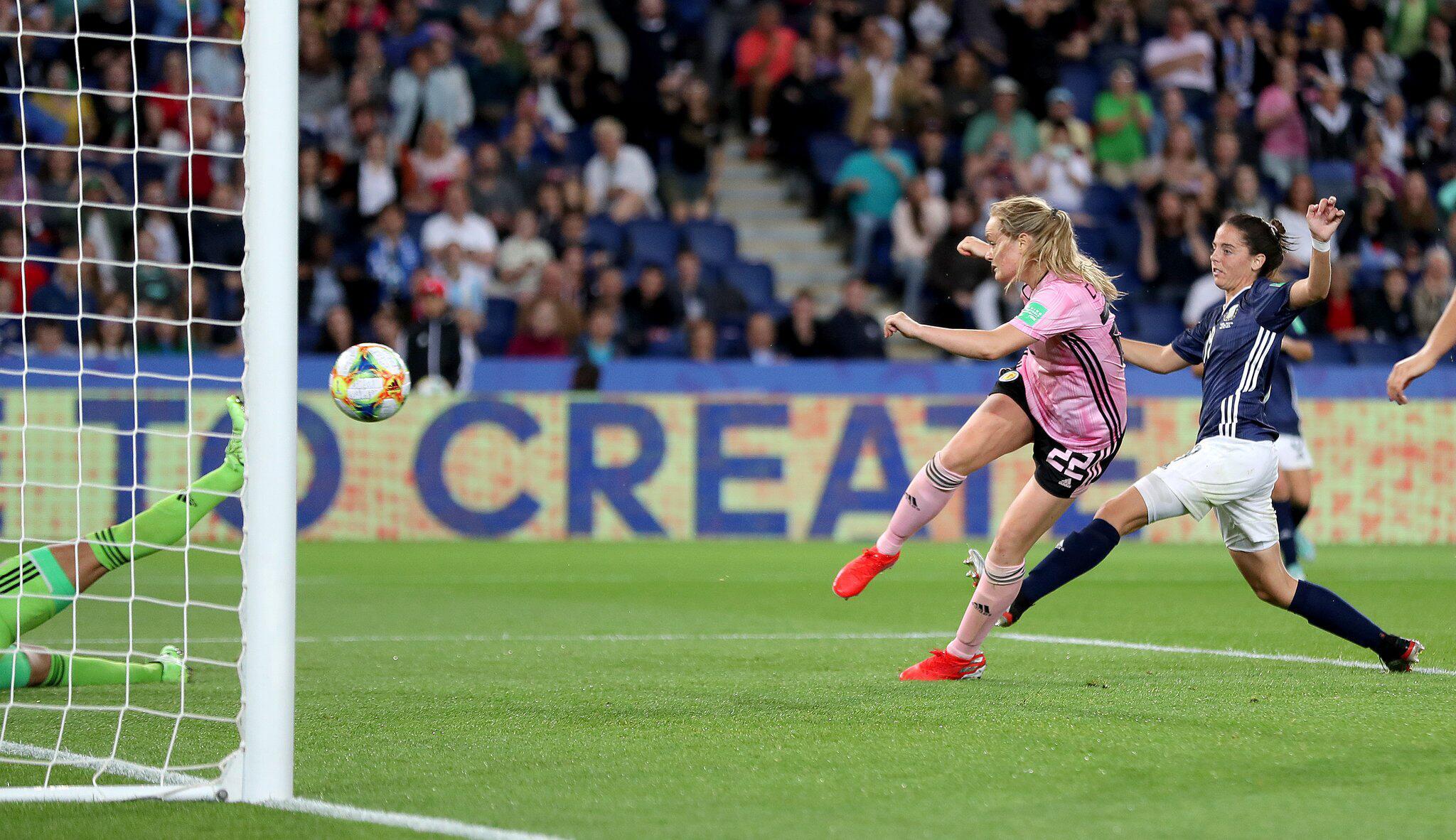 Bild zu Frauenfussball-WM - Schottland - Argentinien