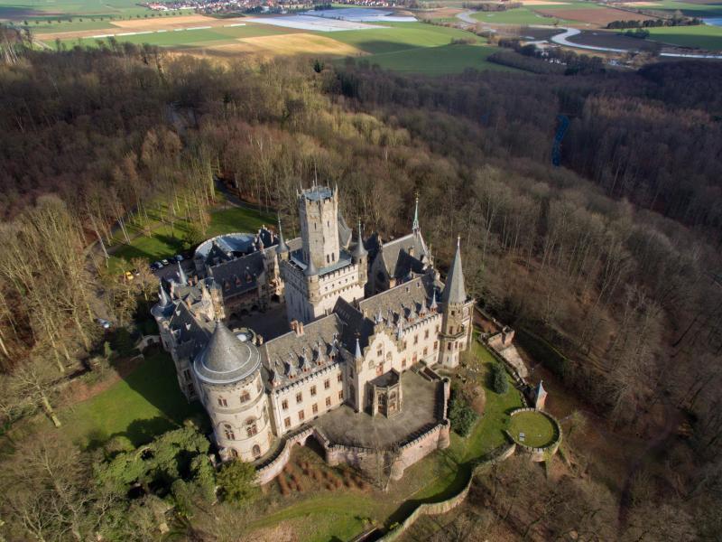 Bild zu Luftaufnahme Schloss Marienburg