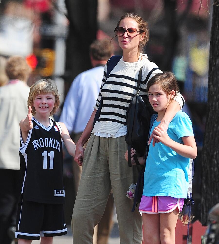 Bild zu Christy Turlington hat zwei Kinder