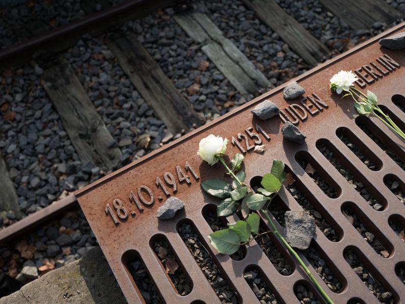 Bild zu Holocaust-Gedenktag