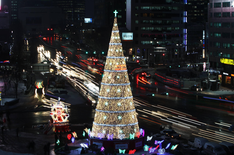 kim jong un droht s dkorea mit abschuss eines weihnachtsbaums. Black Bedroom Furniture Sets. Home Design Ideas
